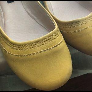 Bronx Springy Yellow Ballet Flats